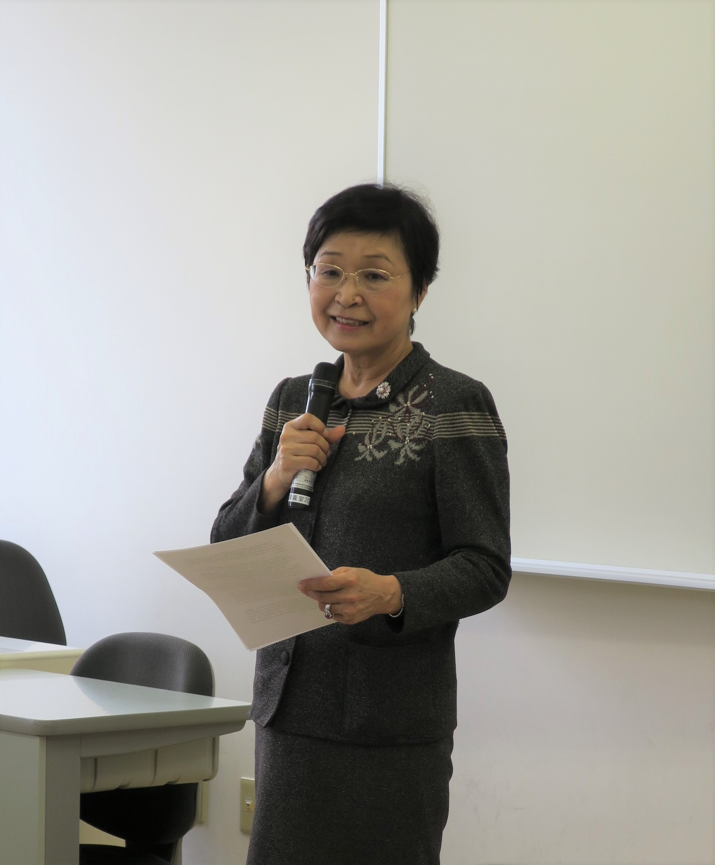 20180928_②開校式で挨拶をする田村学長