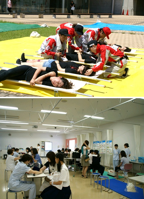 (写真上:トリアージ訓練) (写真下:血圧・骨密度測定コーナー)